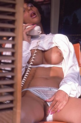 Live-1-on-1-phone-sex